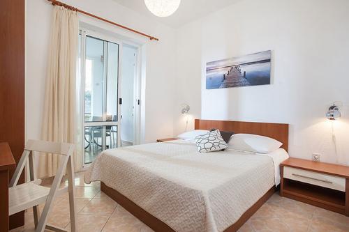 1 a5k1 vila nela tucepi bedroom1