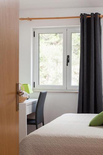 8v g a4k3 bedroom1e