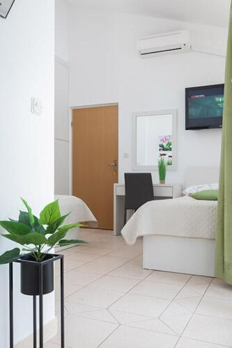 8v g a4k3 bedroom1h