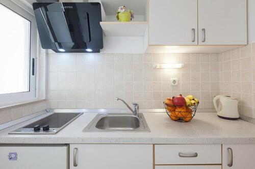 8v g a4k3 kitchen1b