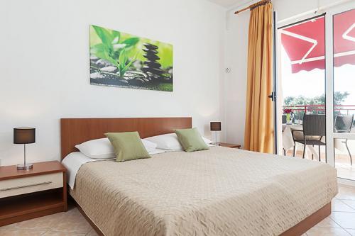 4 a31k1 vila nela tucepi bedroom1