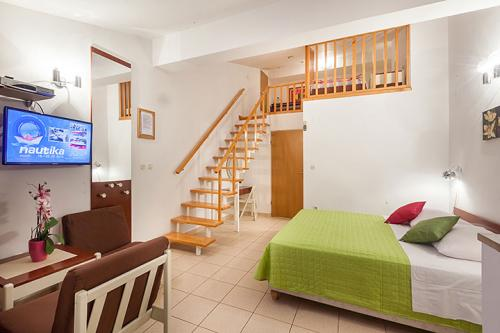 9 a4k3 vila nela tucepi bedroom1c