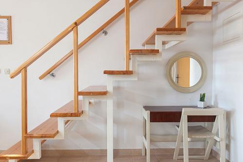 9 a4k3 vila nela tucepi stairs1